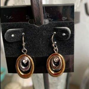 🛍💕 NEW! Lia Sophia Earrings